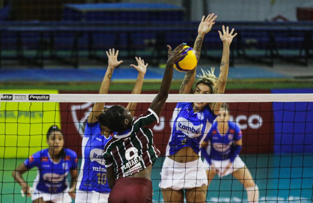 Itambé/Minas Fluminense Thaisa Mayara Barcelos Superliga 2020/21 Vôlei feminino