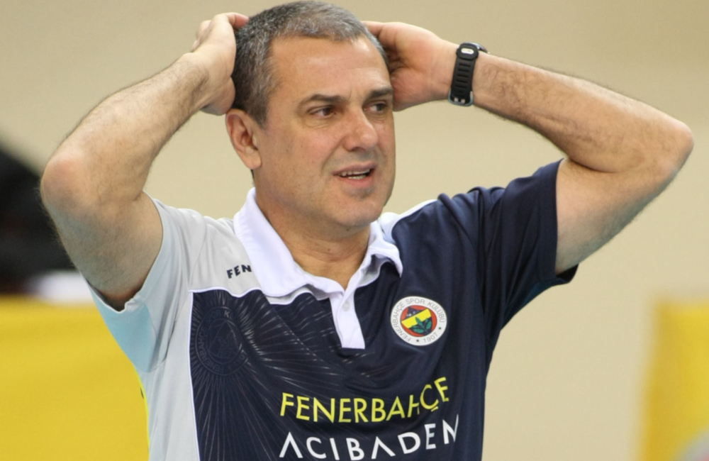 Zé Roberto campeão da Champions League pelo no Fenerbahçe